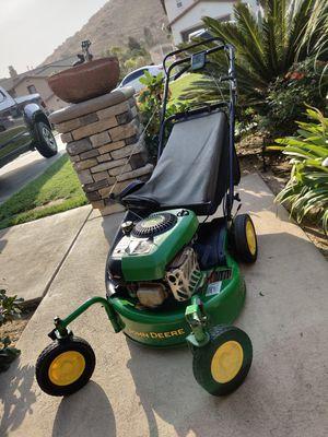 John Deere self propelled lawnmower 7HP IN GREAT CONDITIONS for Sale in Riverside, CA