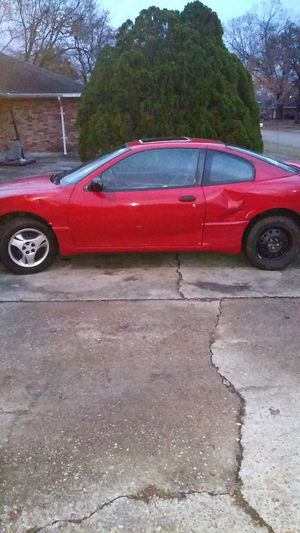 2003 Pontiac sunfire 5 speed gas saver for Sale in Baton Rouge, LA