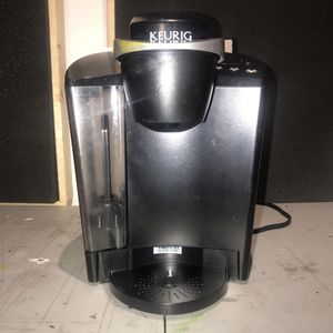 Keurig K classic k50 single serve kcup pod coffee maker for Sale in Brooklyn, NY