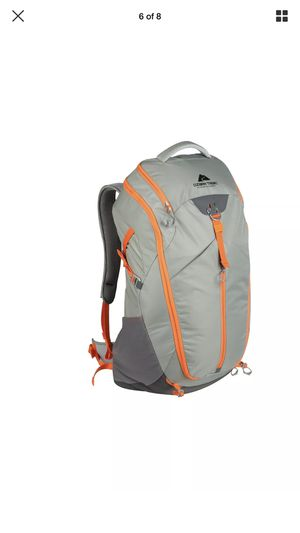 Ozark Trail Lightweight Hydration Compatible Hiking Backpack 40L for Sale in Hightstown, NJ