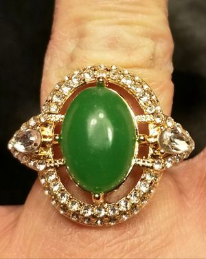 925 Plated In 18k Gold Lab Emerald W/CZ Halo Ring. for Sale in Amarillo, TX