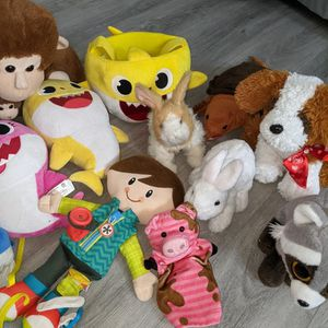 Lot Of Kid Plush Toys Including Baby Shark, Graco Puppy, Fur Real Bunny for Sale in Wesley Chapel, FL