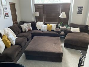 Huge comfy sectional for Sale in Maple Valley, WA
