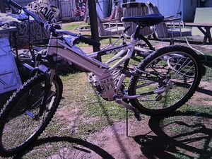 Mountain Bike 24 speed for Sale in Fresno, CA