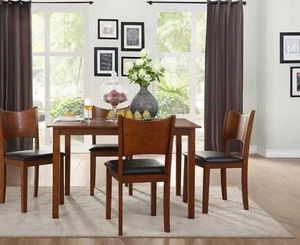 5 Pcs dining table. New in boxes. Price firm 0X2 for Sale in Pomona, CA