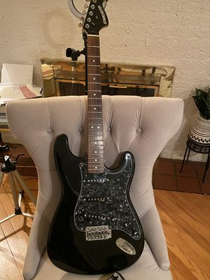 Starcaster Stratocaster style guitar for Sale in Evanston, IL