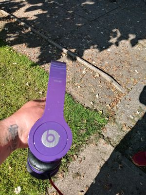 Beats by dre headphones for Sale in Cleveland, OH