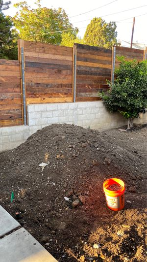Free dirt- you haul away for Sale in Los Angeles, CA