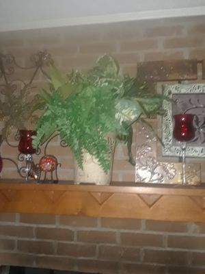 Plant and vase decor for Sale in Riverdale, GA