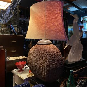Beautiful table lamp 39 tall 33 wide for Sale in San Diego, CA