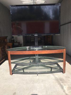 "46"" Magnavox 1080p LEDTV with 3 Shelf Adjustable Swivel TV mount Entertainment Center $275 OBO for Sale in Hudson, FL"
