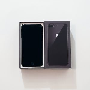Unlocked Apple iPhone 8 Plus 256gb Space Gray for Sale in Orlando, FL