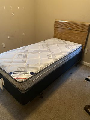 Twin bed for SALE! $350 comes with headboard and mattress and box spring. for Sale in Atlanta, GA