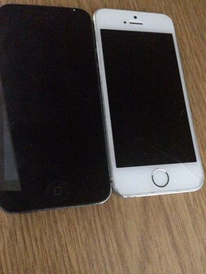 iPhone 5s and 5 (for parts only ) for Sale in Oxon Hill, MD