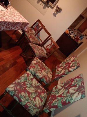5 antique chairs for Sale in Moreno Valley, CA