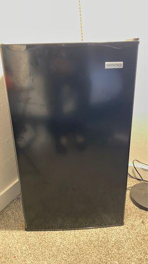 Igloo mini fridge for Sale in Nashville, TN