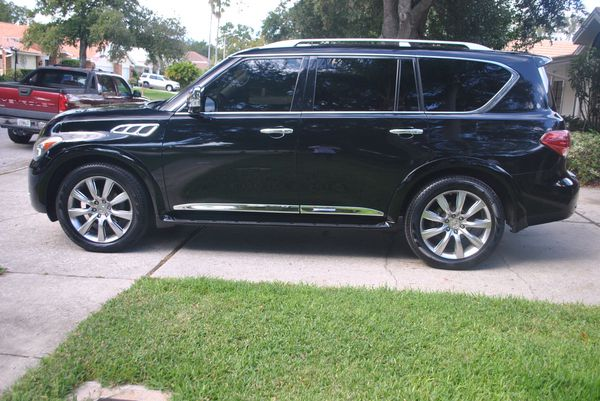 2011 Infiniti QX56 Navigation Sunroof Excellent Condition
