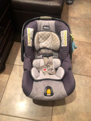 Chicco car seat for Sale in Encinal, TX