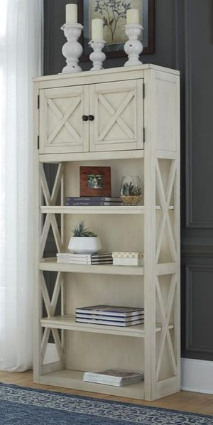 🍃🍂 Deal Off er 🍂🍃 Bolanburg White/Oak Large Bookcase | H647 for Sale in Houston, TX