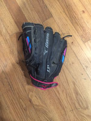 Fast pitch softball glove for left handed player 11.5 inch for Sale in Keizer, OR
