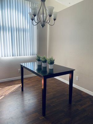 Small Dining Table for Sale in Rialto, CA