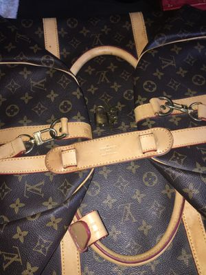 Original Louis Vuitton luggage bag number 60 lock and key number 304 for Sale in Los Angeles, CA