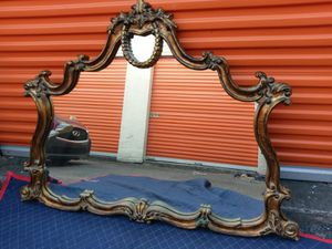 Large beautiful wall mirror in wood frame for Sale in Lauderdale Lakes, FL