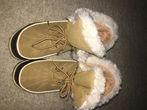 fur winter boots for Sale in Gaithersburg, MD