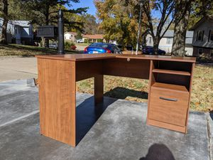Corner desk for Sale in St. Peters, MO