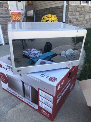 Like New Microwave for Sale in Bettendorf, IA