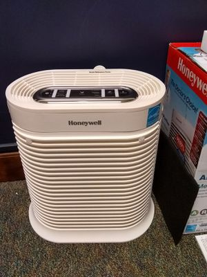 Honeywell True HEPA Air Purifier HPA105-TGT (New) for Sale in Spartanburg, SC