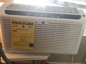 Brand New Window Air Conditioner. Too big for our window lol. Have had it for one week! for Sale in Los Angeles, CA