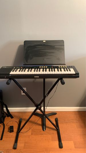 Yamaha PSR-11, keyboard stand and music stand for Sale in Ambler, PA