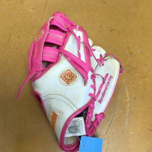 Girls Softball Glove for Sale in Marlboro Township, NJ