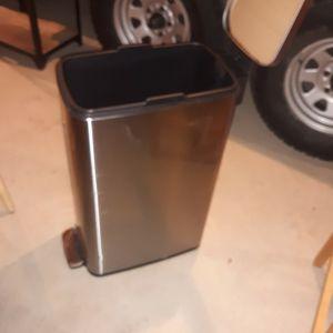 Trash Can for Sale in Phoenix, AZ