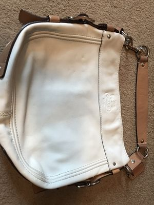 OFF white small AUTHENTIC COACh for Sale in Chevy Chase Village, MD