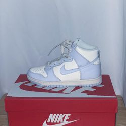Dunk High Women's Football Grey Size W 7 for Sale in Woodinville,  WA