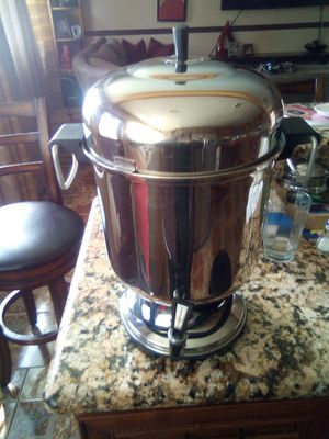Coffee maker large size for Sale in Whittier, CA