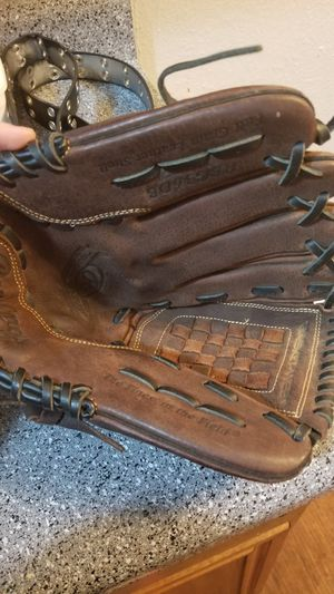 Rawlings glove for Sale in Fort Worth, TX