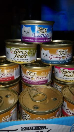 30 cans fancy feast cat food PENDING for Sale in Tacoma, WA