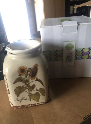 Rustic Sunflower scentsy warmer for Sale in Whittier, CA