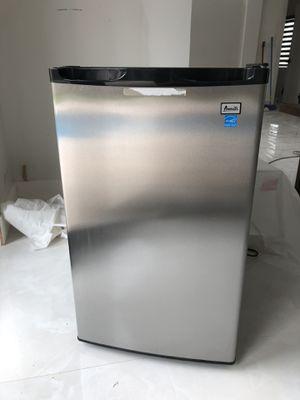 Avanti counter height refrigerator MUST GO! for Sale in Miami, FL