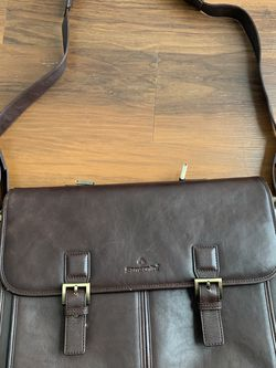 "17"" SAMSONITE Brown Leather Flapover Travel/ Business Briefcase Double Gussets 17""W x 12""H x 5""D - Hand grip pin is missing - some wear underneath at for Sale in Rolling Meadows,  IL"