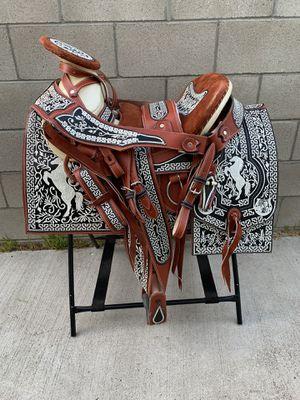 Montura bordada 100% piel cuero for Sale in Rancho Dominguez, CA