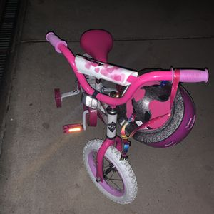 Girls Bicycles, Crockpot, Mickey Costume for Sale in Santee, CA