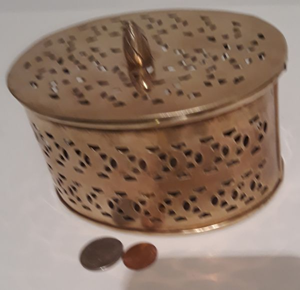 """Vintage Metal Brass Storage Container, Stash Box, 6"""" x 4 1/2"""" x 3"""", Dresser Decor, Table Decor, Shelf Display, This Can Be Shined Up Even More"""