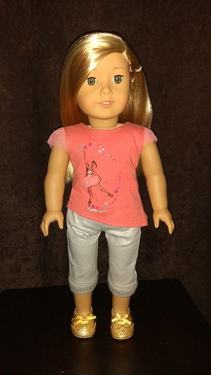 American Girl Doll Girl Of The Year ISABELLE In Original Outfit for Sale in Costa Mesa, CA