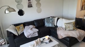 Black Sectional Couch (Available in mid November) for Sale in Miami, FL