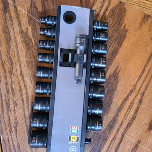 Husky 20-Piece 3/8 in. 100-Position Socket Wrench Set (Missing Wrench and 19) for Sale in Tucson, AZ
