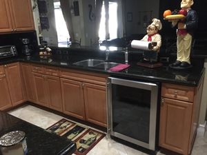 Kitchen cabinets with granite counters for Sale in Pembroke Pines, FL